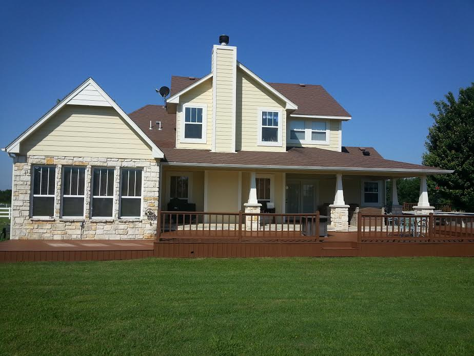 The tulsa painters tulsa 39 s professional interior exterior house painting deck staining painter for Exterior house painting companies